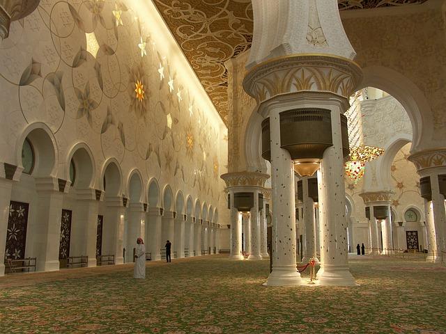 ابو ظبي لؤلؤة السياحة في الأمارات