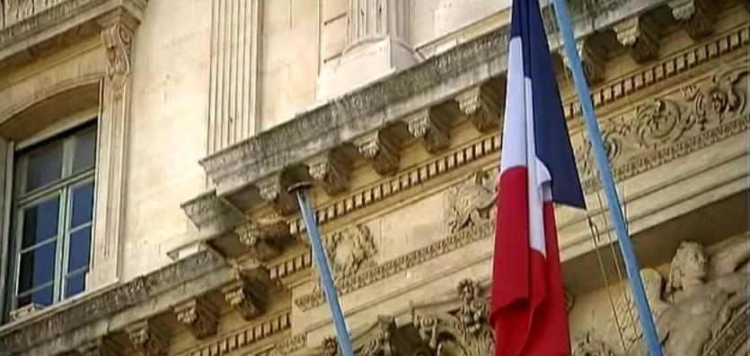 كيفية الحصول علي الجنسية الفرنسية؟
