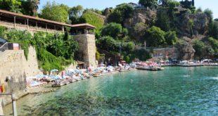 السياحة في أعماق بحار تركيا عبر الغواصة البحرية السياحية