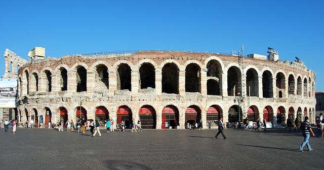 السياحة والترفيه في فيرونا - الإيطالية