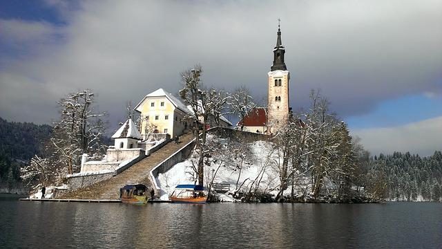 السياحة في سلوفينيا بلد الوديان والأنهار والكهوف