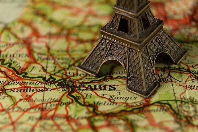 العمل في فرنسا والإجراءات المطلوبة لعقود العمل في فرنسا