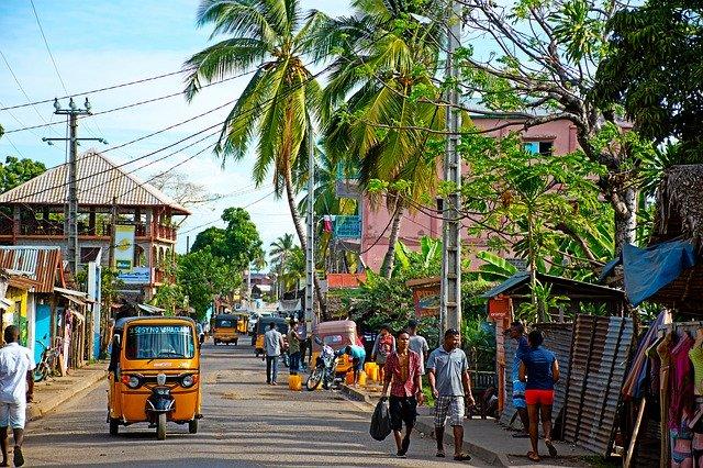 مدغشقر الدولة الجزرية الواقعة في المحيط الهندي الهجرة