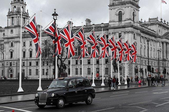 دراسة الماجستير في بريطانيا - والتخصصات المتاحة في الجامعات البريطانية
