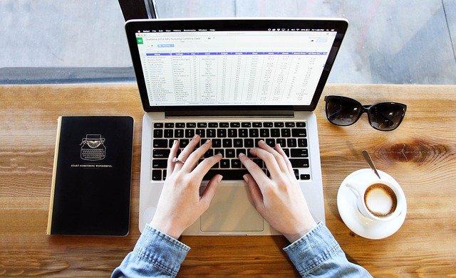 كيف تكتب سيرتك الذاتية بطريقة الـ pdf للعمل بالخارج؟