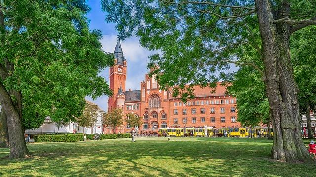 برلين عاصمة ألمانيا الإتحادية وبوابة براندنبورغ